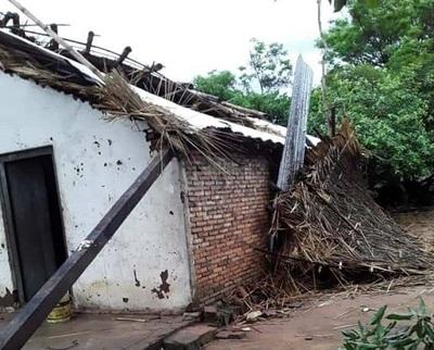 Temporal destruye varias viviendas en Ñeembucú