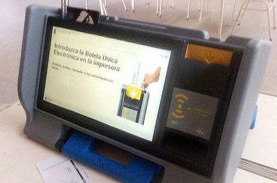 """""""Estamos seguros que es seguro"""" afirma Ljubetic sobre urnas electrónicas"""