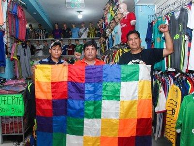 Bolivianos del Mercado 4 temen que ahora haya más racismo en su país