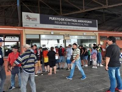 Migraciones desvincula a funcionarios denunciados por hincha de Colón