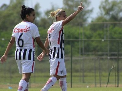 La lluvia obliga a suspender la jornada del fútbol femenino