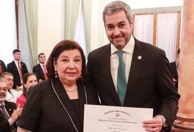 Premiada Maribel Barreto abogó por la ley del libro