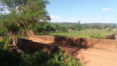 El primer viaducto paraguayo sigue en pie