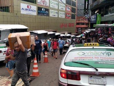 Masiva concurrencia al inicio del Black Friday en Ciudad del Este