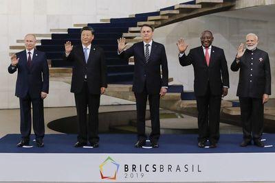 Bolsonaro dice que Brasil no entrará en la guerra comercial entre EEUU-China