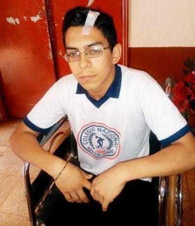 Abdo Benítez, a favor de líder estudiantil de Mayor Otaño