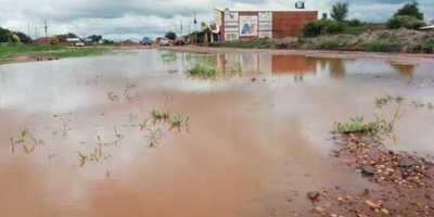 Obras mal hechas y a paso de tortuga, provocan inundaciones a vecinos