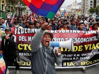 Gobierno interino inicia diálogo con partido de Evo para pacificar Bolivia