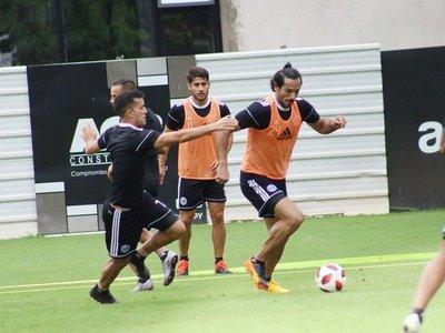 Roque hizo fútbol con normalidad y apunta al clásico