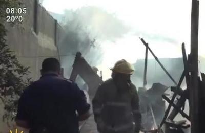 Se incendió carpintería en Ciudad del Este