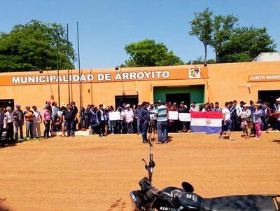 Estudiantes de Arroyito denuncian agresiones en manifestación