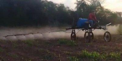 Joven crea un novedoso vehículo para riego de cultivo