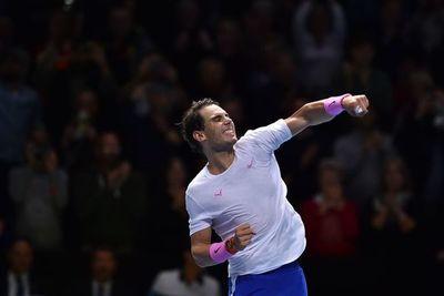 Nadal derrota a Tsitsipas y se encomienda a Medvedev