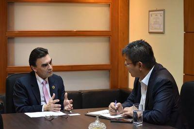 Representante de Hyundai E&C muestra interés de invertir en Paraguay