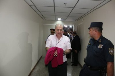 Juez manda presos a Ramón González Daher y a su hijo