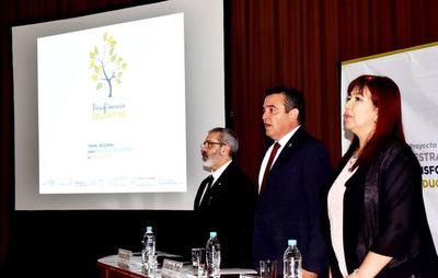 Burocracia es obstáculo  para reformar educación, dice Petta