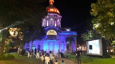 HOY / El Festival de la Cultura llenará de ritmo y color la Plaza de la Democracia