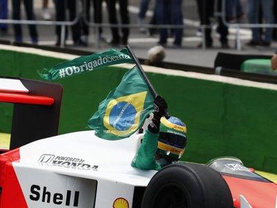 Senna y el McLaren MP4/4 vuelven a Interlagos en un emotivo homenaje