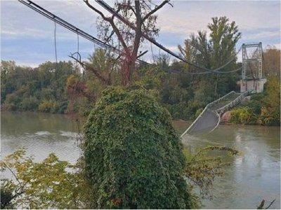Puente colgante se derrumba cerca de Toulouse, en el sur de Francia