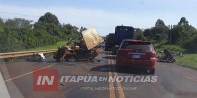 COLISIÓN DE CAMIÓN CONTRA TRACTOR EN PLENO PUENTE DEL ARROYO PIRAPEY