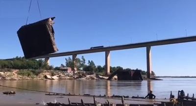 MOPC apura rescate total del Buque Paraguarí ante suba de nivel del río