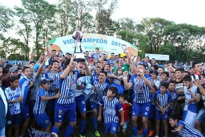 Itauguá festeja el ascenso del 12 de Octubre a Primera División