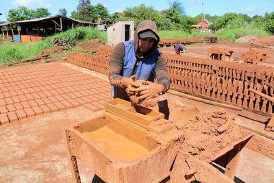 """MUVH: Construcción """"cero"""" para el 2020 preocupa a ceramistas y oleros"""