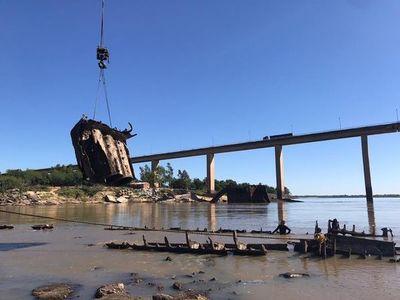 Buque Paraguarí: Una vez extraído del río será utilizado para exposiciones