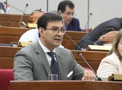 Silvio Ovelar pide aprobar el PGN según recomendación de la comisión bicameral