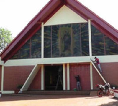 Roban G. 7 millones a parroquia de Itapuá