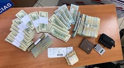 Ordenan detención de ciudadano que intentó viajar con USD 260.000 sin declarar