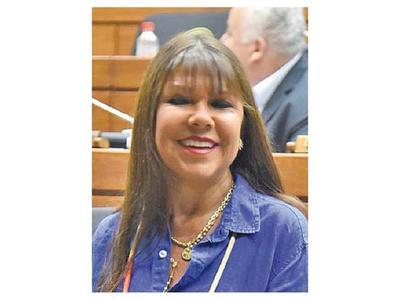 Los diputados liberales   Édgar Ortiz y Celeste Amarilla se lanzan amenazas