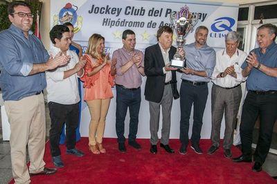 Vibrantes carreras en el Jockey