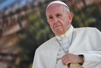 El papa expulsa del sacerdocio a cura chileno investigado por abuso a menores
