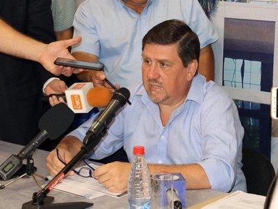 Blas Llano dice que Cartes tiene fueros por ser senador vitalicio
