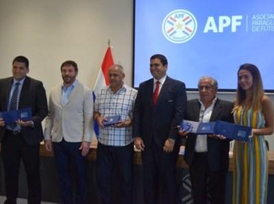 Cuatro Técnicos paraguayos obtienen la Licencia Pro