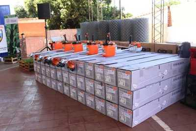 Productores de Concepción reciben insumos y maquinarias agrícolas