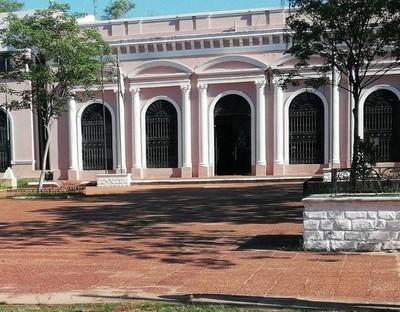 Un posible desalojo revela presunta red de negociado de terrenos municipales