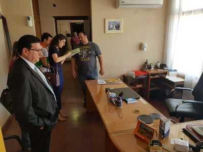 Municipalidad entrega pertenencias a Itá Paraná