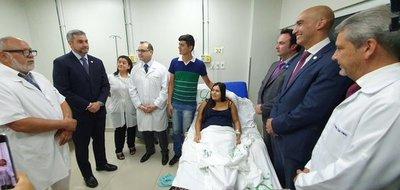 Jefe de Estado felicita a profesionales del IPS por exitosa primera cirugía intrauterina