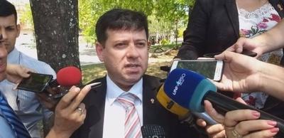 HOY / Tras escándalo por coimas, rajan de la EBY a exsecretario de Villamayor
