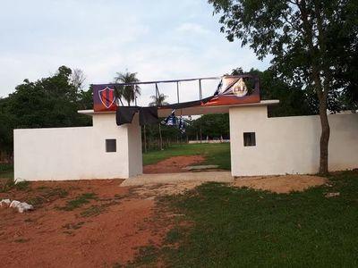 Desconocidos destruyen cartel de un Club en Acahay