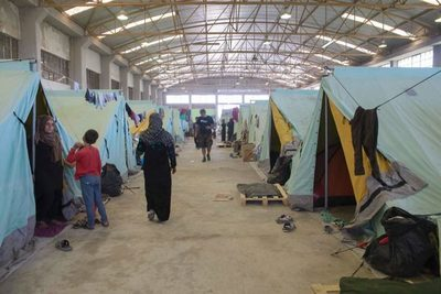 Grecia cerrará los campos de refugiados y construirá otros centros para migrantes