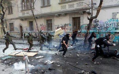 Protestas no cesan en Chile, pese al acuerdo sobre Constitución
