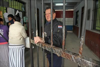 Ministerio de Justicia contrató a 100 nuevos agentes penitenciarios