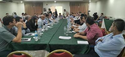 Sojeros piden más seguridad en el campo durante reunión con ministro