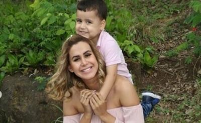 Jessica Sly salió al paso de los comentarios que hacían alusión al peso de su hijo