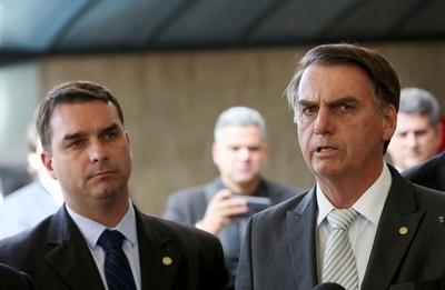 Bolsonaro crea su propio partido: él será el presidente y su hijo, el vice