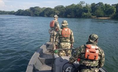 ARMADA PARAGUAYA Y PREFECTURA NAVAL ARGENTINA REALIZAN CONTROLES POR VEDA PESQUERA
