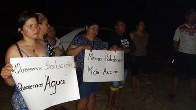 Pobladores de Carapeguá reclaman corte de agua
